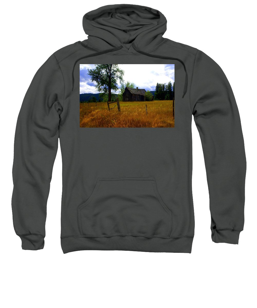 Landscape Sweatshirt featuring the photograph Washington Homestead by Marty Koch
