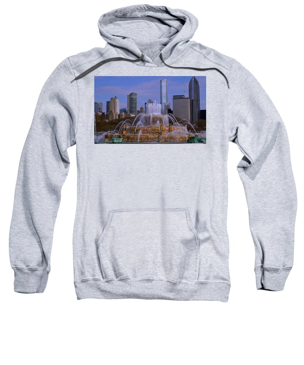 Chicago Sweatshirt featuring the photograph Buckingham Fountain by Bill Lambright