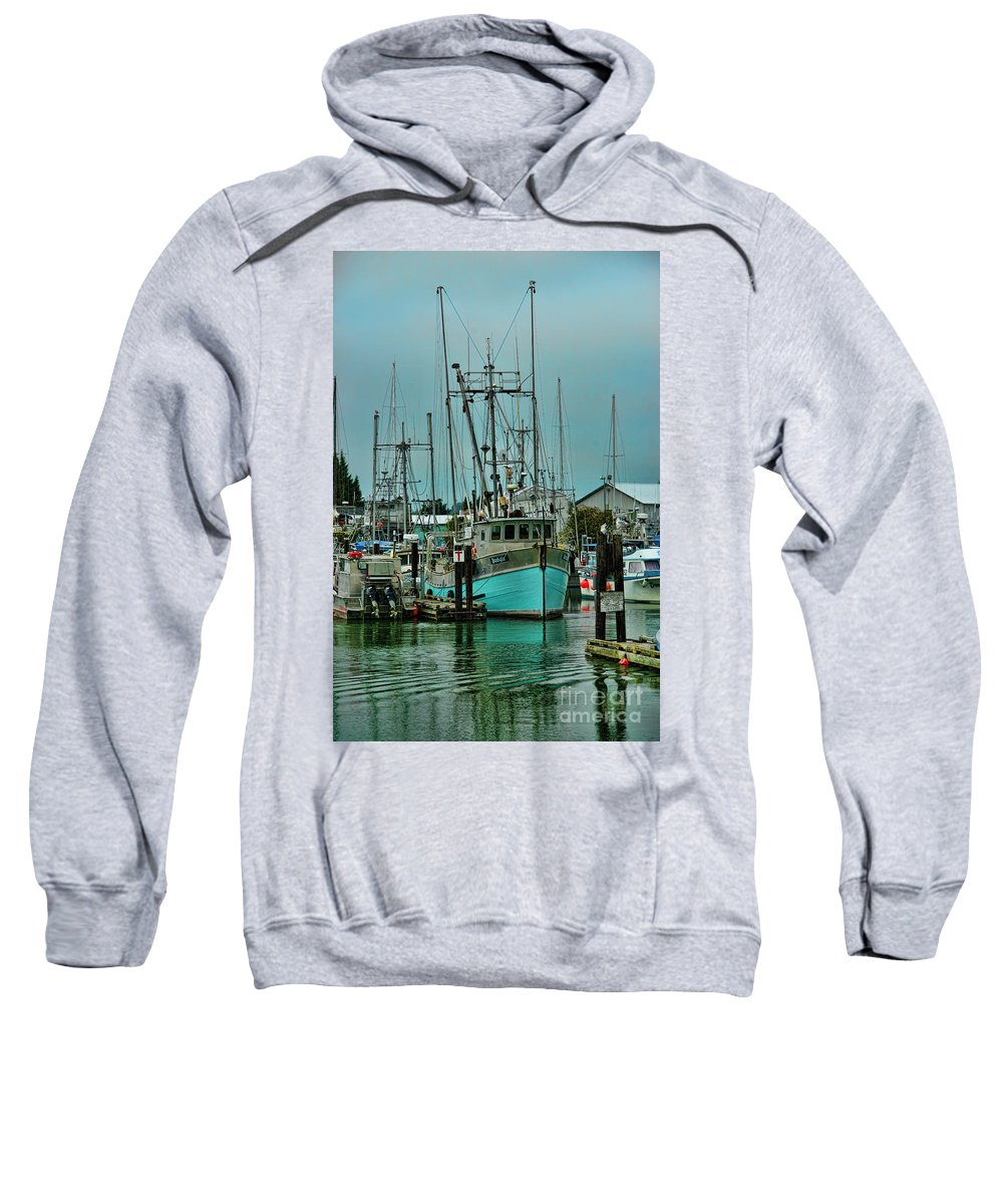Boats Sweatshirt featuring the photograph Duashala Hdrbt4246-13 by Randy Harris