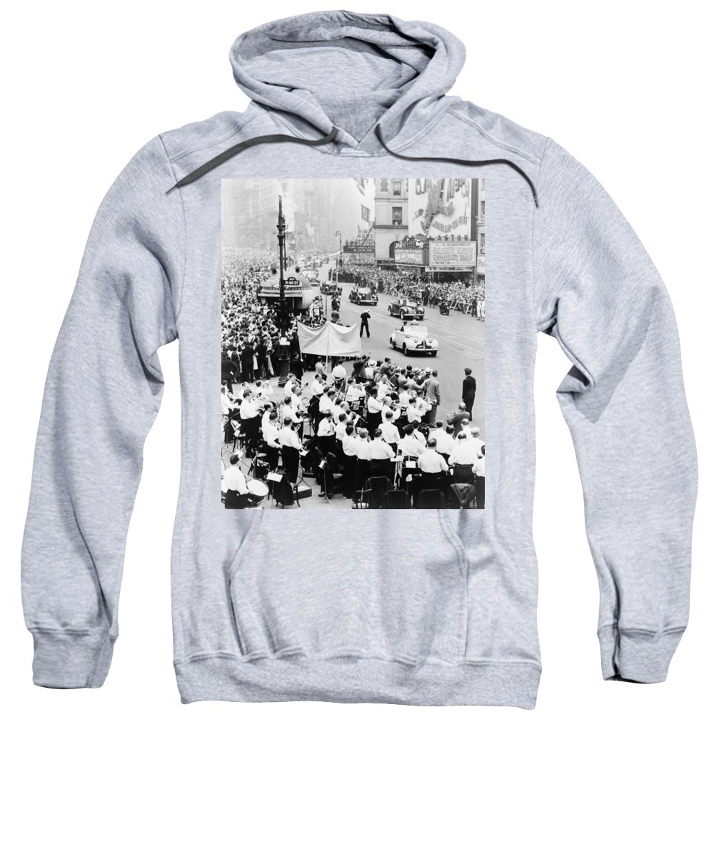 1945 Sweatshirt featuring the photograph Eisenhower Victory Parade by Granger