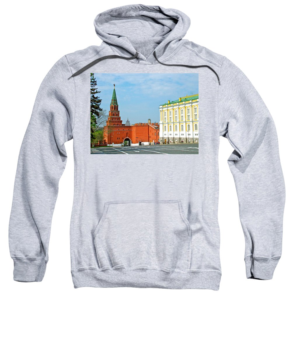 Entry Gate At Armory Museum Inside The Kremlin Wall In Moscow Sweatshirt featuring the photograph Entry Gate At Armory Museum Inside Kremlin Wall In Moscow-russia by Ruth Hager