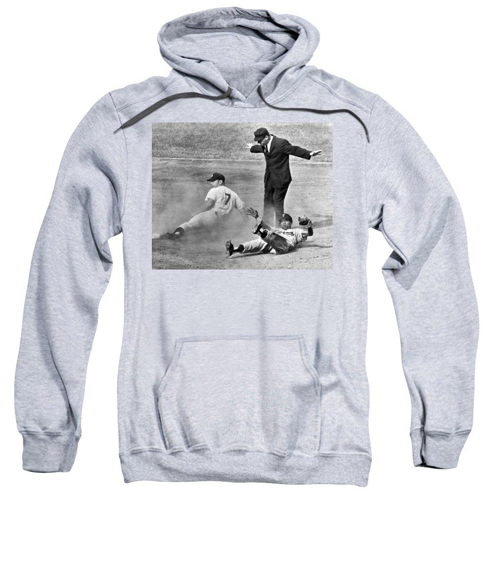 Yankee Stadium Hooded Sweatshirts T-Shirts
