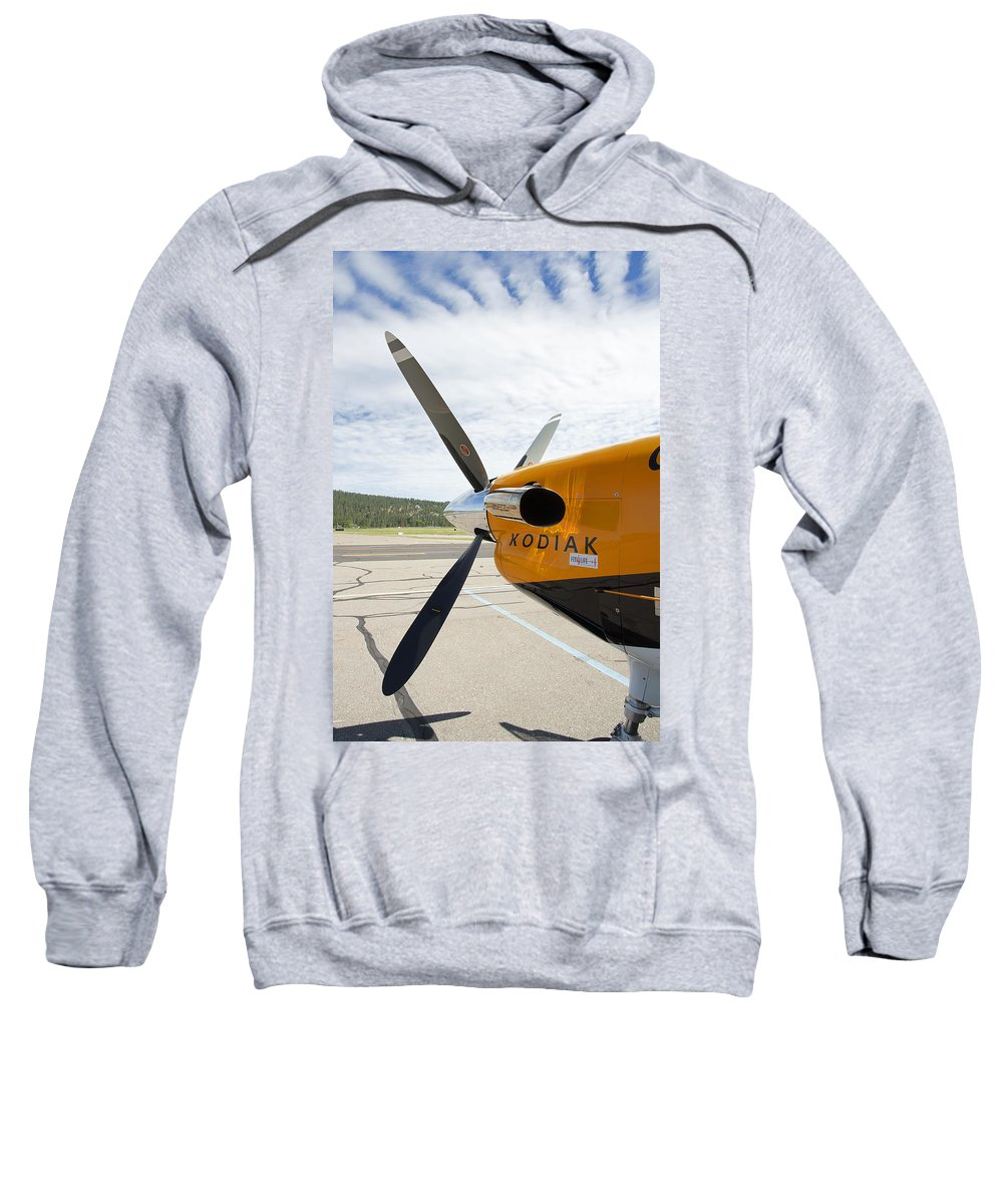 Kodiak Sweatshirt featuring the photograph Quest Kodiak Aircraft by Daniel Hagerman