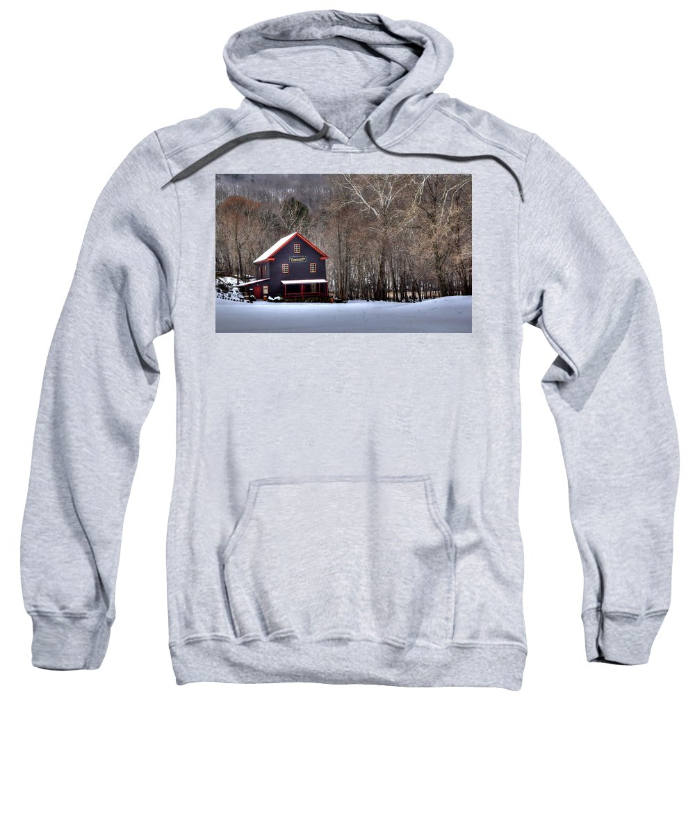 Tinglers Mill Sweatshirt featuring the photograph Tinglers Mill Paint Bank by Todd Hostetter