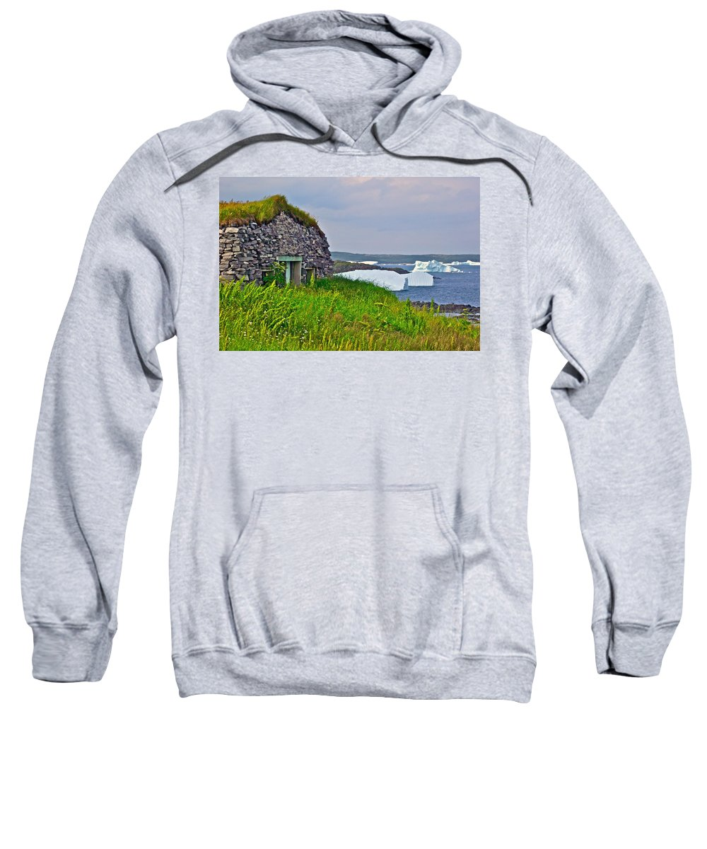 Viking House On Fishing Point Lighthouse Near Saint Anthony Sweatshirt featuring the photograph Viking House On Fishing Point In Saint Anthony-nl by Ruth Hager