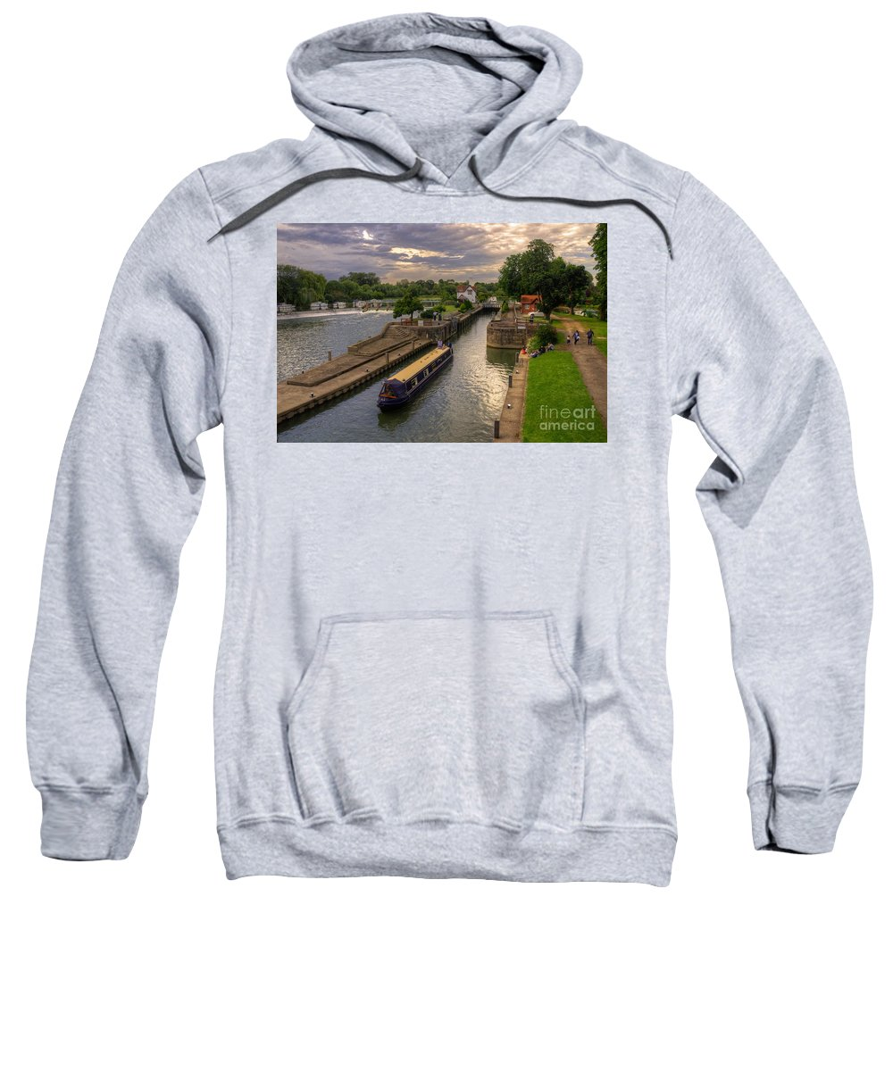 River Thames Sweatshirt featuring the photograph The River Thames At Goring by Rob Hawkins