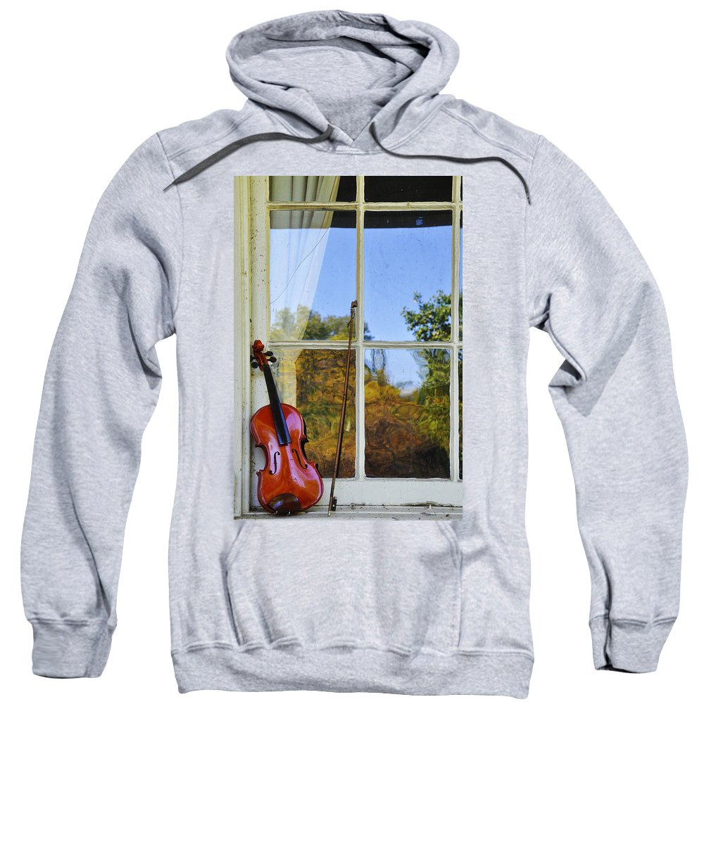 Violin Sweatshirt featuring the photograph Violin On A Window Sill by Bill Cannon