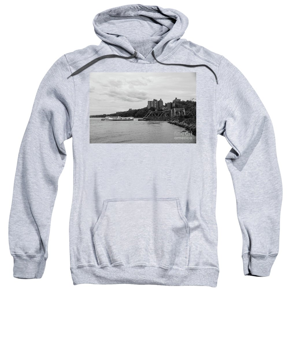2016 Sweatshirt featuring the photograph Circle Line by Cole Thompson
