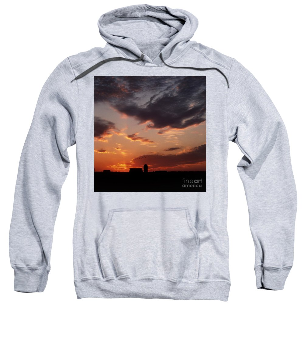 Scenic Tours Sweatshirt featuring the photograph Farmer's Sunrise by Skip Willits