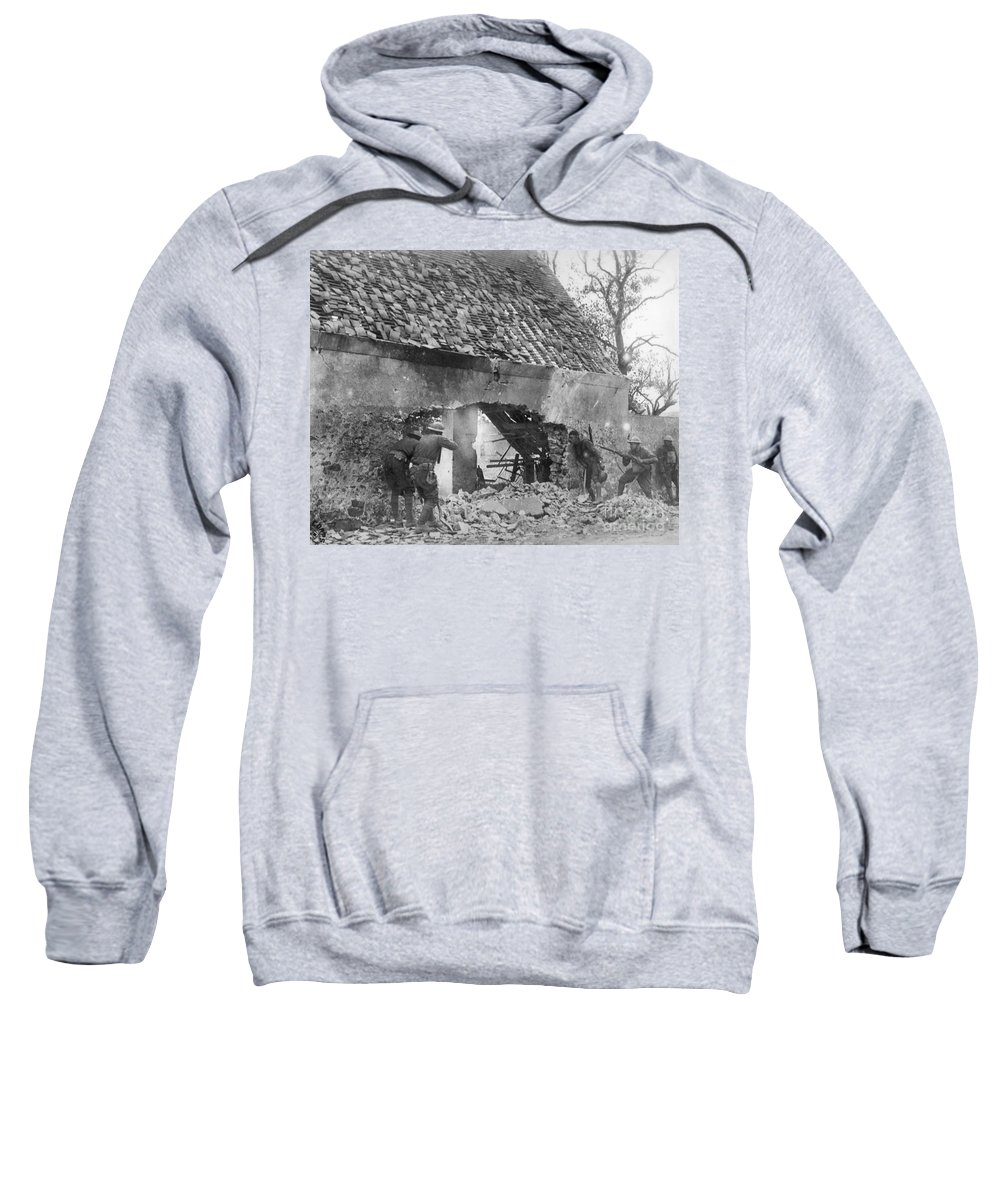 1918 Sweatshirt featuring the photograph World War I: U.s. Troops by Granger