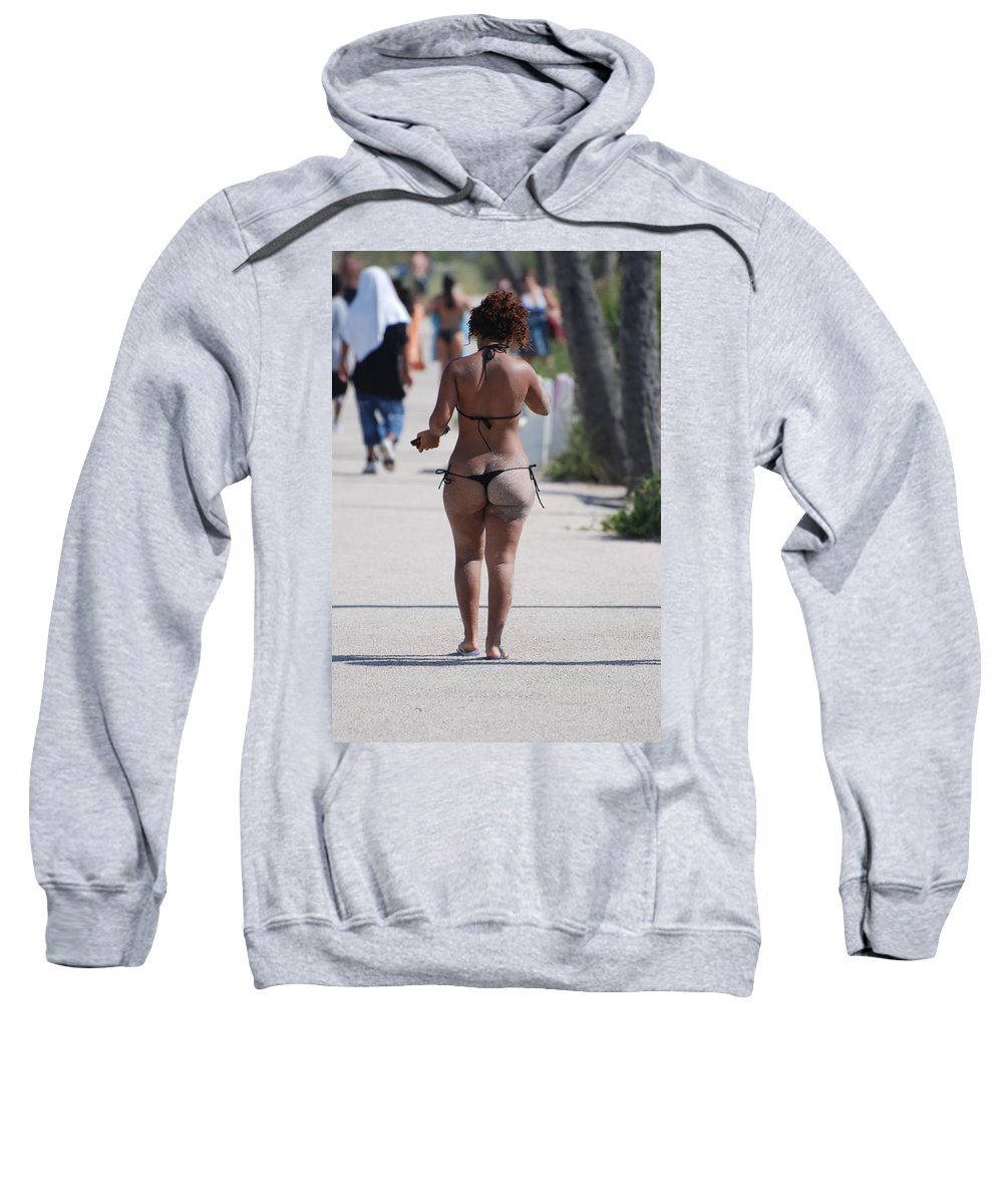 Portriat Sweatshirt featuring the photograph L W Thong by Rob Hans