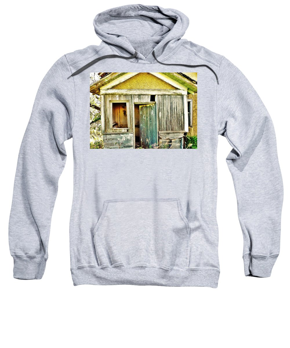 House Sweatshirt featuring the photograph One Country Farmhouse by Curtis Tilleraas