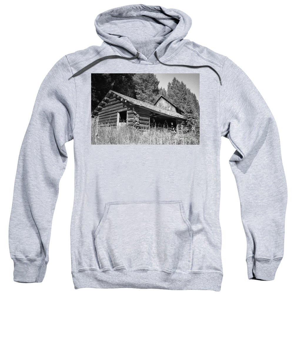 Cabin Sweatshirt featuring the photograph Abandoned Homestead by Richard Rizzo