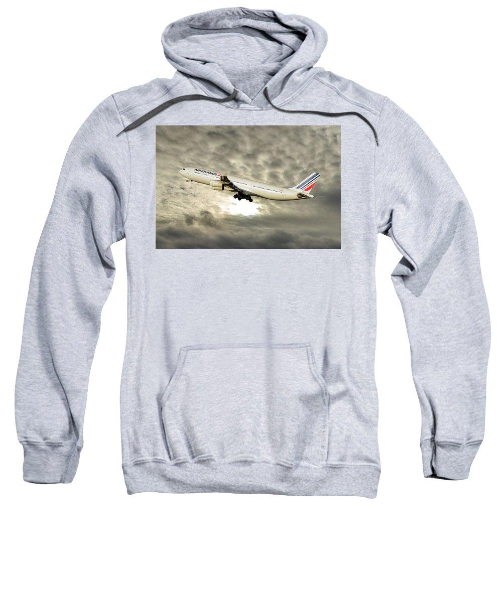 340 Hooded Sweatshirts T-Shirts