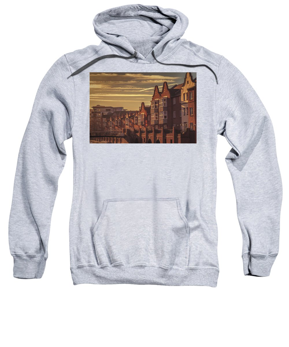 6x4 Sweatshirt featuring the photograph Canalside Living by Chris Fletcher