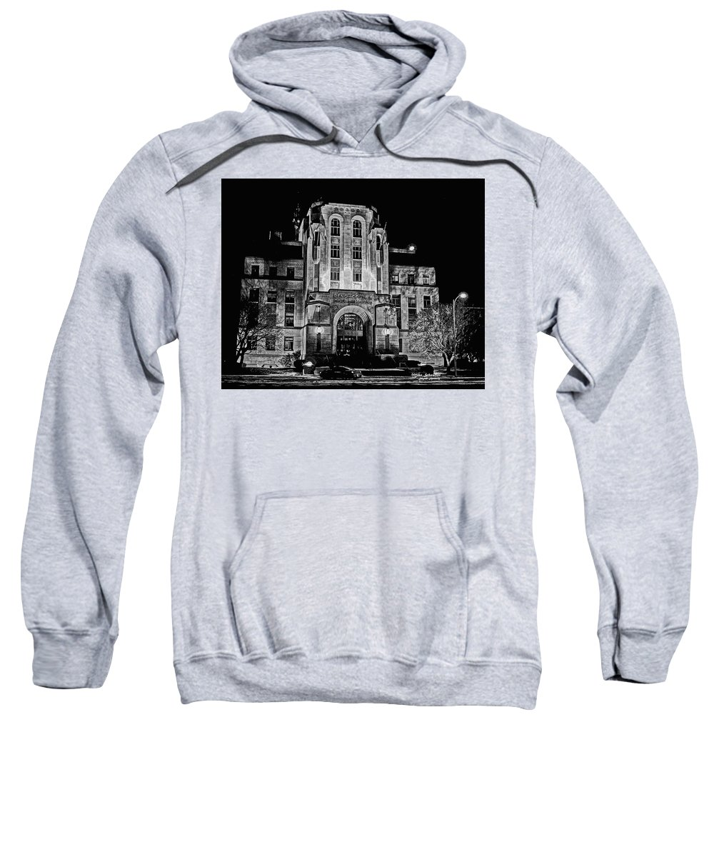 Building Sweatshirt featuring the photograph Courthouse In Kansas by Mike Scheufler