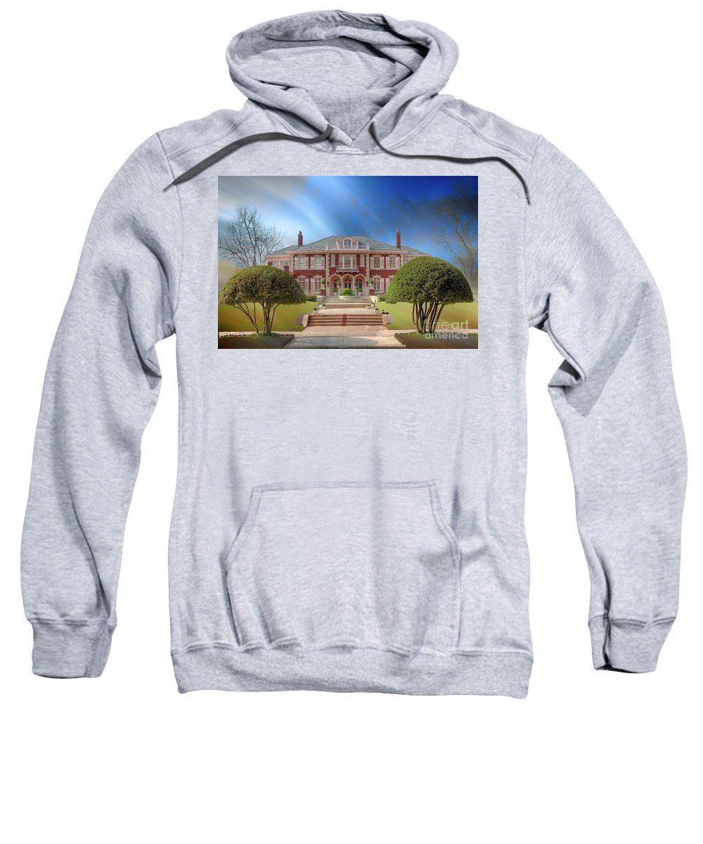 Horizontal Sweatshirt featuring the photograph George C Greer House by Larry Braun
