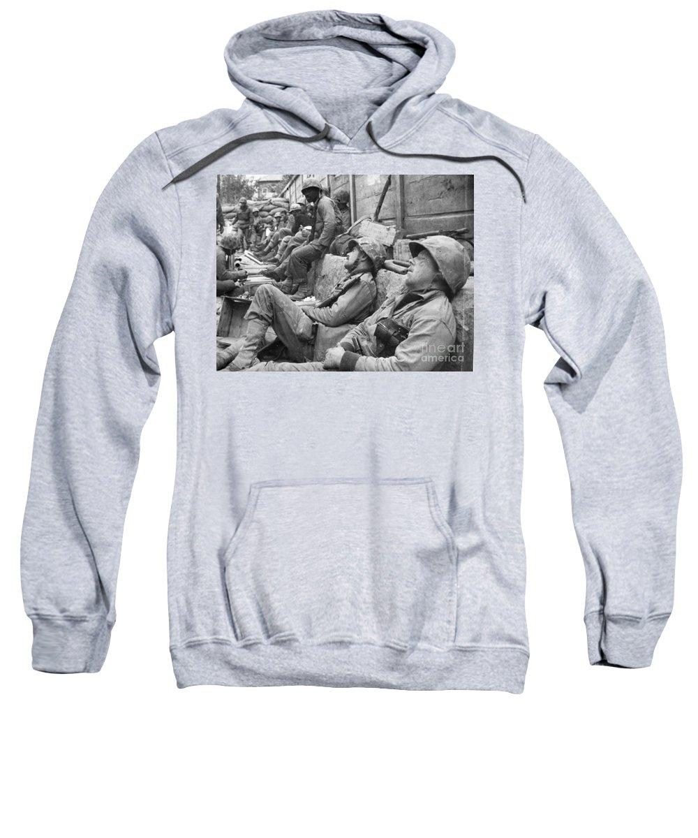 1950 Sweatshirt featuring the photograph Korean War: U.n. Troops by Granger