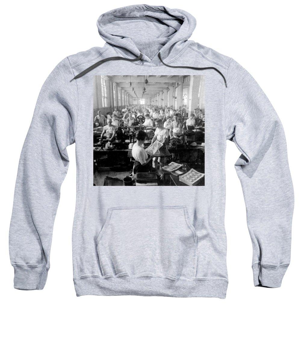 washington Dc Sweatshirt featuring the photograph Making Money At The Bureau Of Printing And Engraving - Washington Dc - C 1916 by International Images