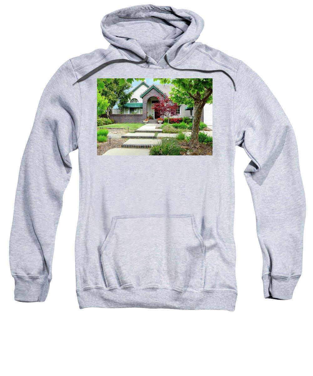 Modern House Sweatshirt featuring the photograph Modern Suburban House Hayward California 33 by Kathy Anselmo
