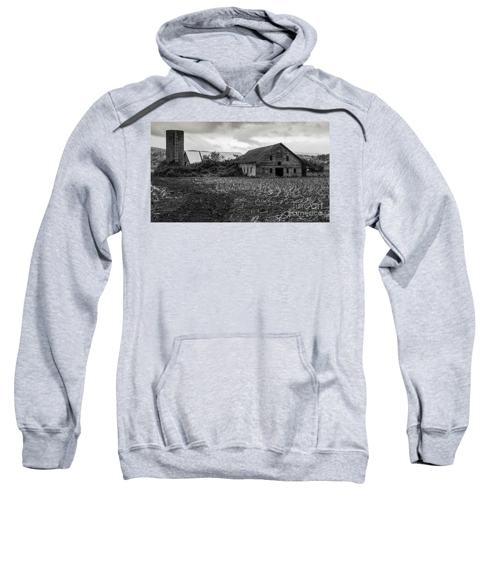 Barn Sweatshirt featuring the photograph Skagit Flats-6962 by Roger Patterson
