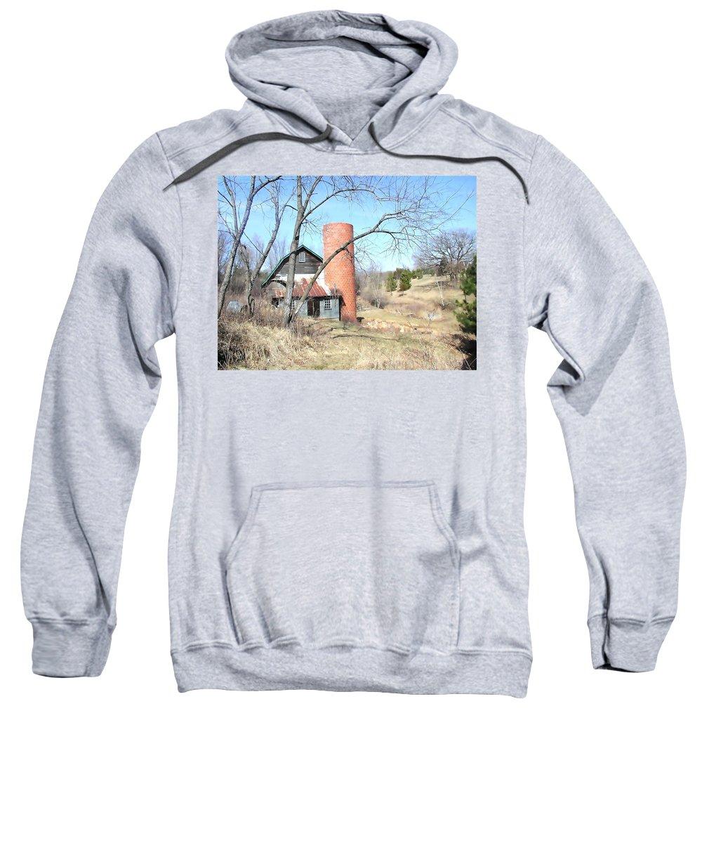 Barn Sweatshirt featuring the photograph The Old Farm by Tom Reynen