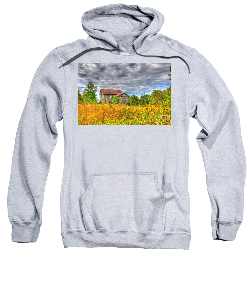 Old Home Stead Sweatshirt featuring the photograph The Old Homestead by Robert Pearson