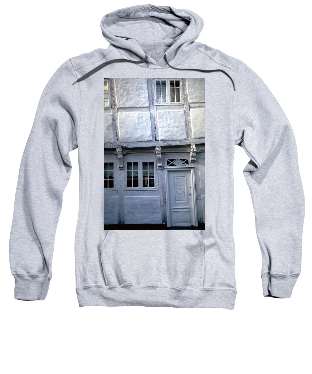 White House Sweatshirt featuring the photograph White House by Flavia Westerwelle