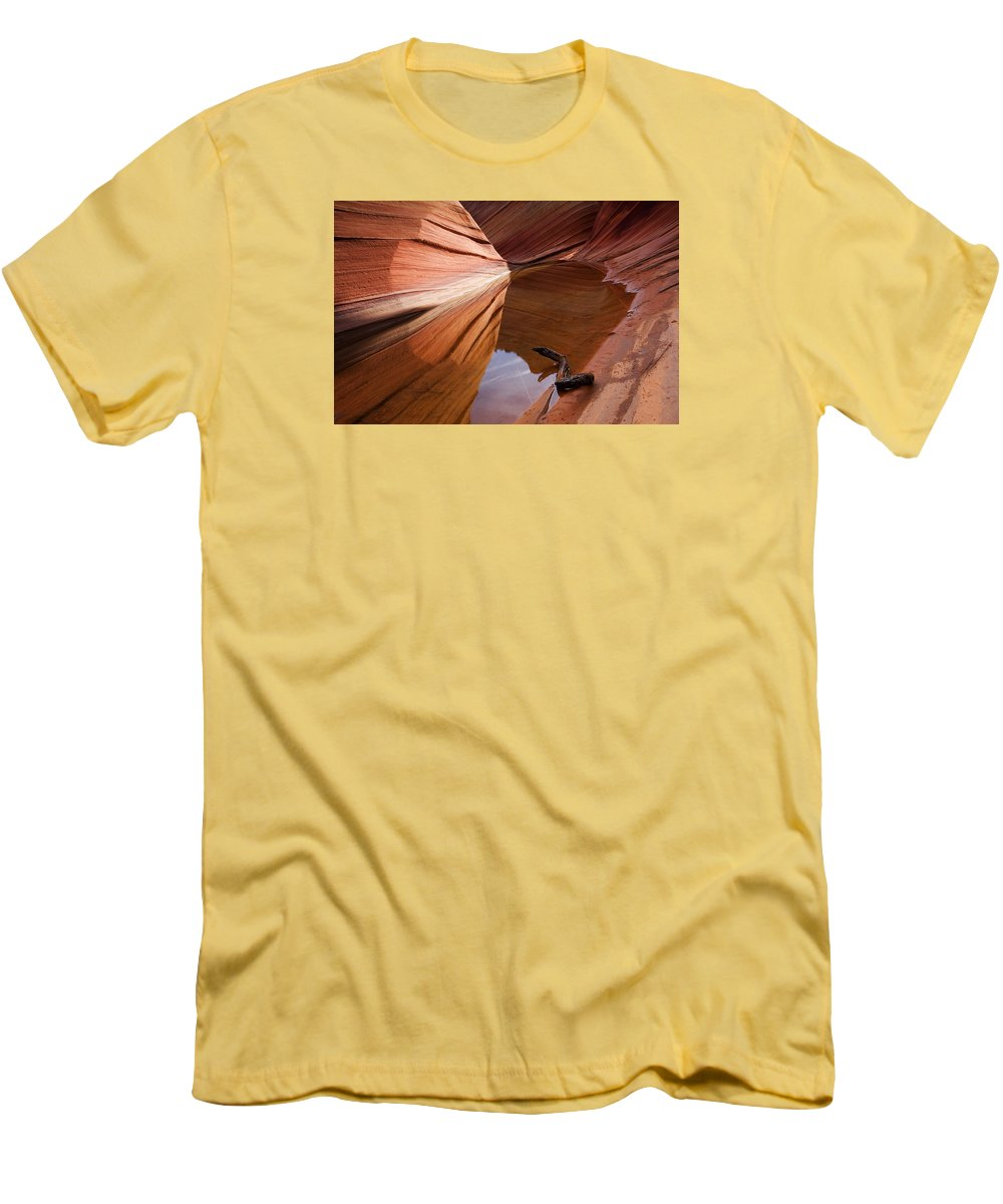 Wave Rock Men's T-Shirt (Athletic Fit) featuring the photograph Eye Of The Wave by Mike Dawson