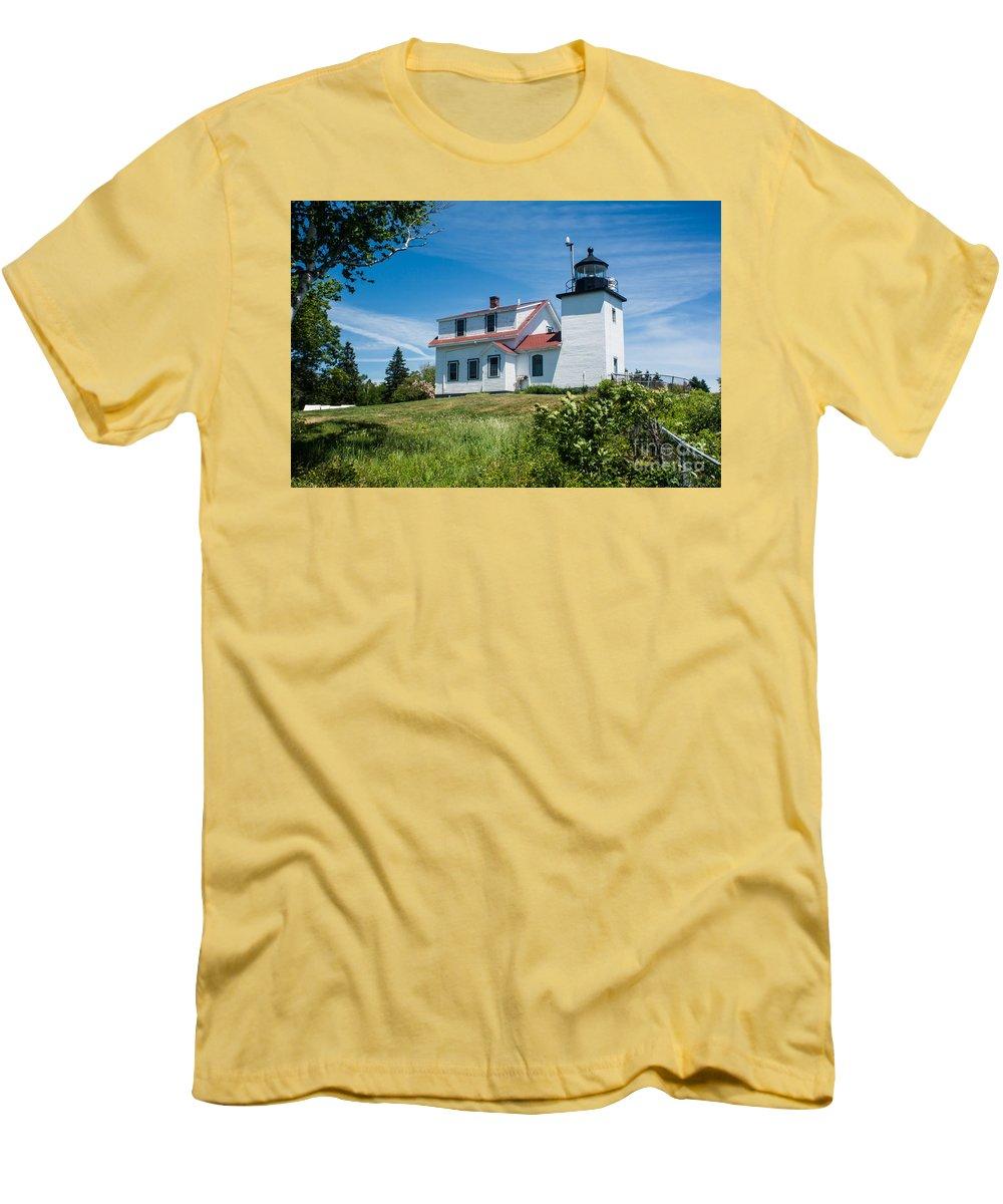 Fort Point Lighthouse Stockton Springs Me 2 T Shirt For