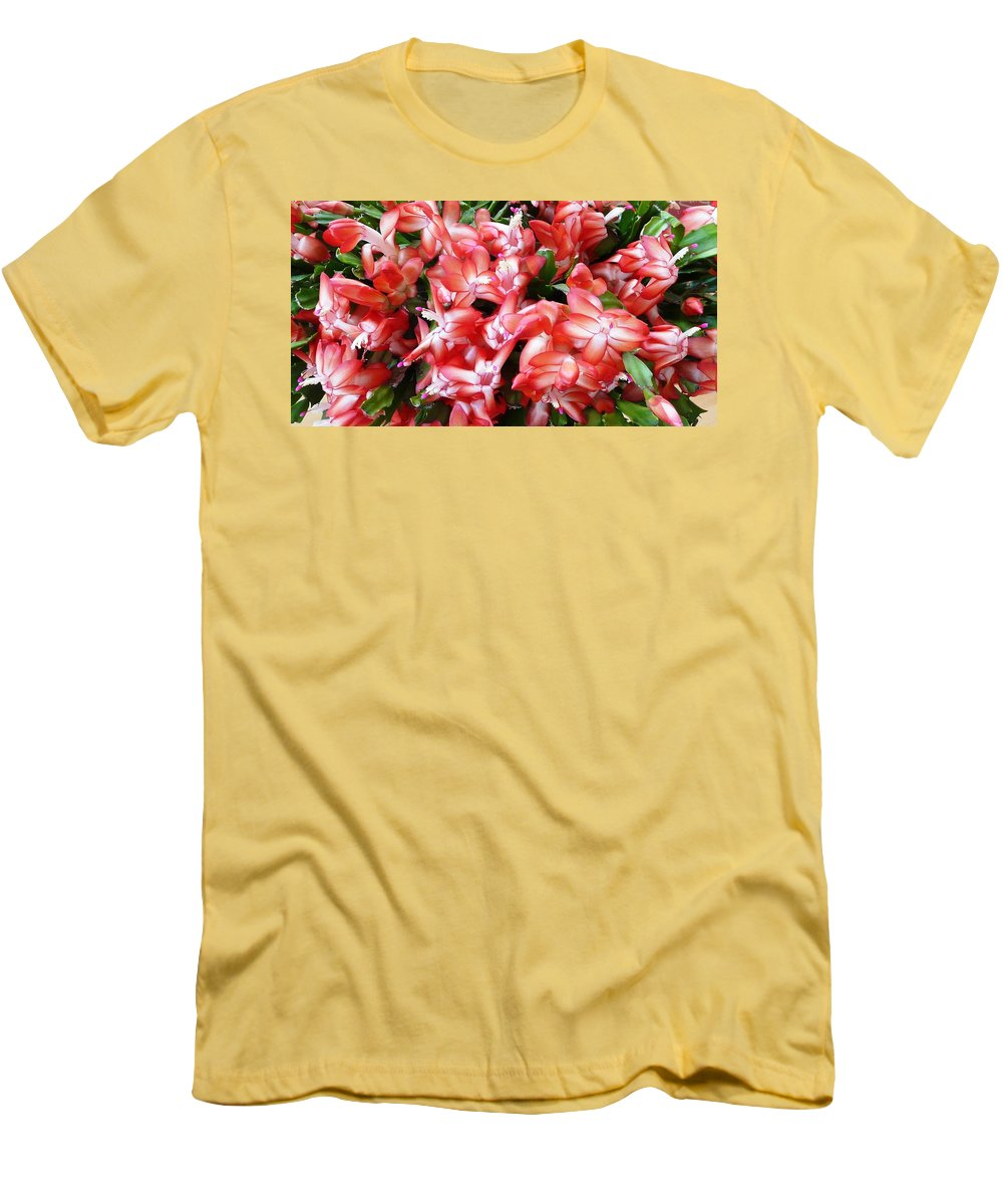 Plant Men's T-Shirt (Athletic Fit) featuring the photograph Red Abundance by Valerie Ornstein