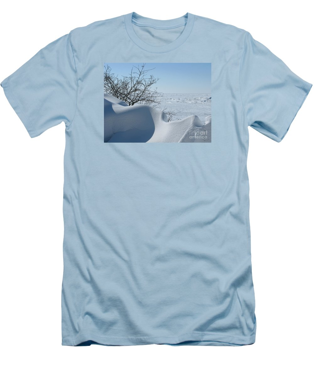 Winter Men's T-Shirt (Athletic Fit) featuring the photograph A Gentle Beauty by Ann Horn