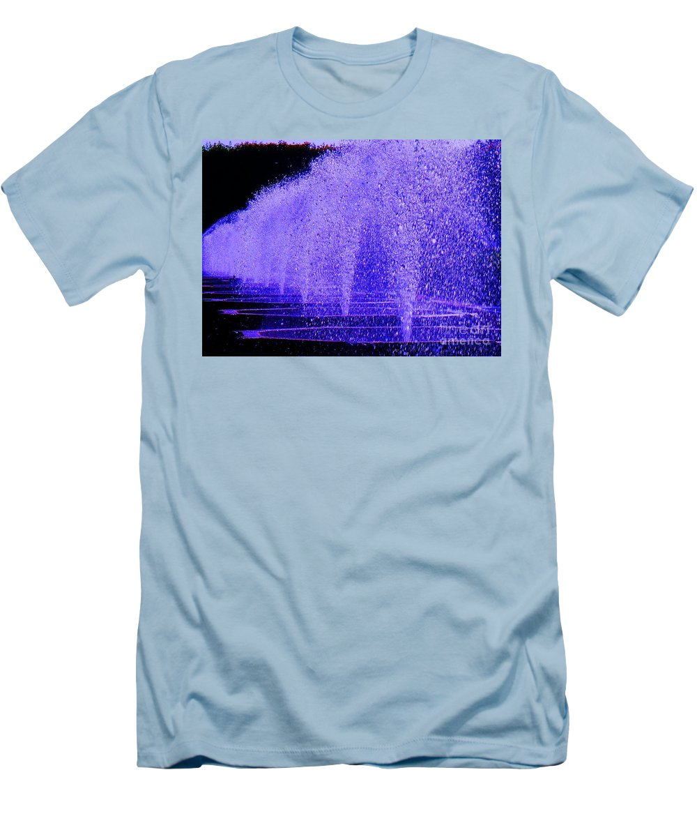 Fountain Men's T-Shirt (Athletic Fit) featuring the photograph Water Fountain by Eric Schiabor