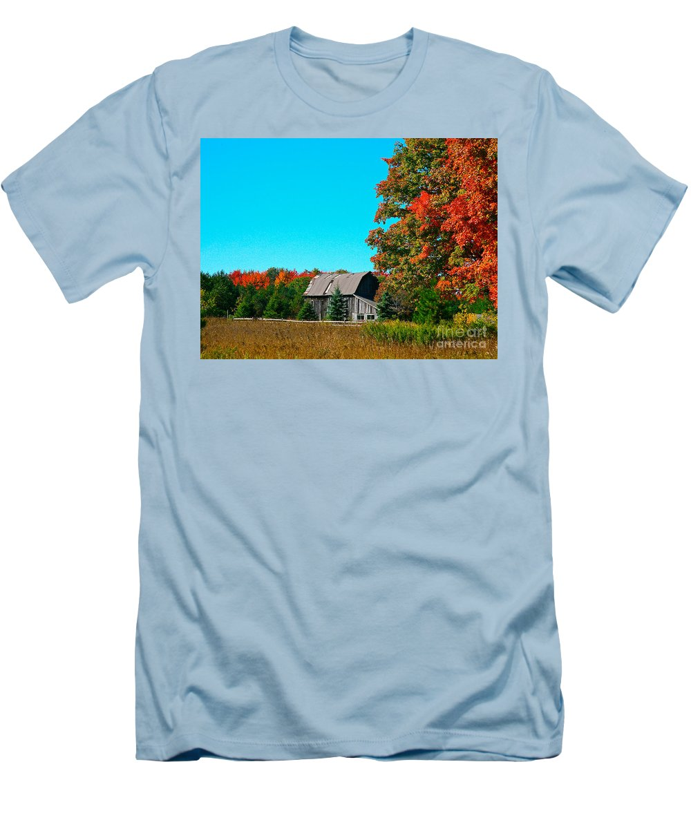 Old Barn Men's T-Shirt (Athletic Fit) featuring the photograph Old Barn In Fall Color by Robert Pearson
