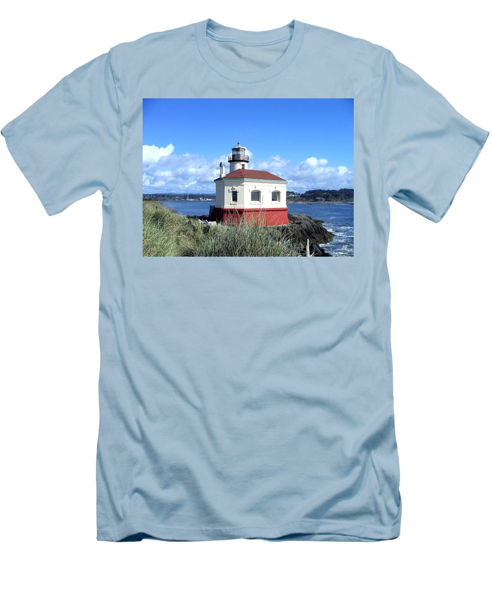Coquille Lighthouse Men's T-Shirt (Athletic Fit) featuring the photograph Bandon 1 by Will Borden