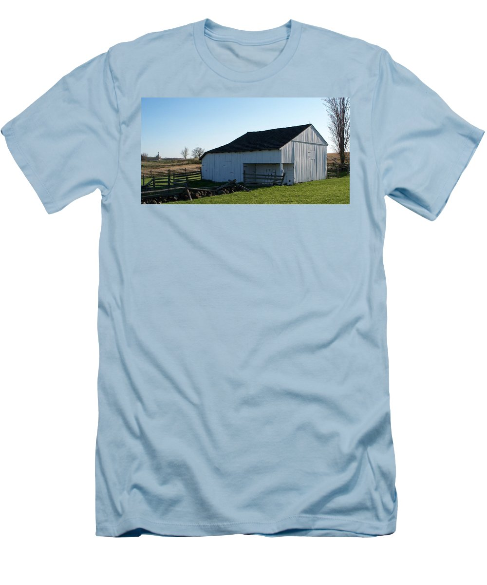 Barn Men's T-Shirt (Athletic Fit) featuring the painting Barn Gettysburg Battle Field by Eric Schiabor