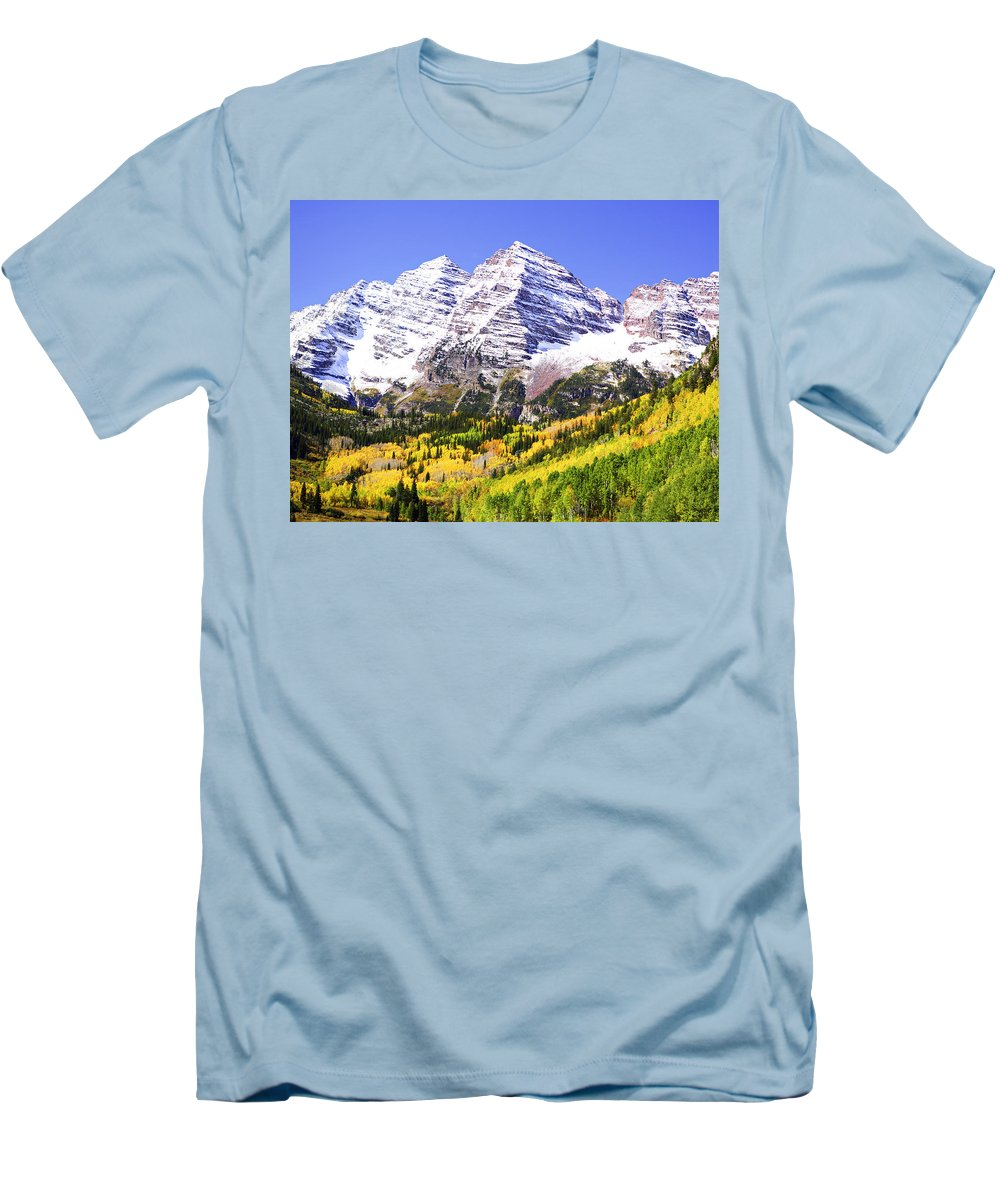 Americana Men's T-Shirt (Athletic Fit) featuring the photograph Classic Maroon Bells by Marilyn Hunt