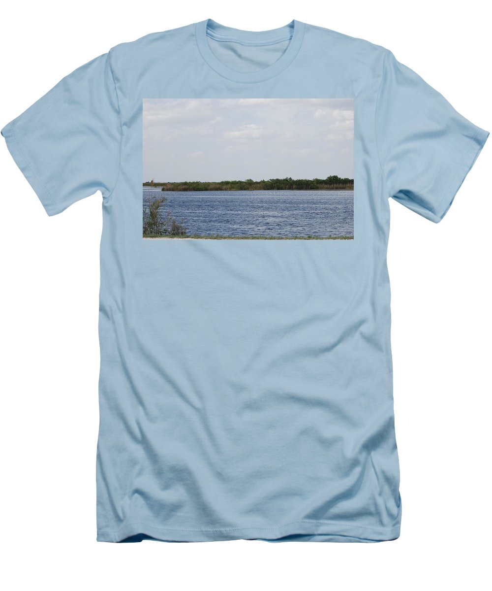 Water Men's T-Shirt (Athletic Fit) featuring the photograph Fla Everglades by Rob Hans