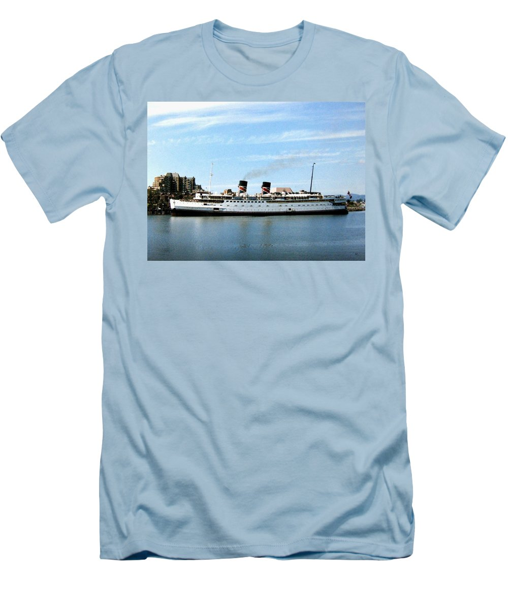 Princess Marguerite Men's T-Shirt (Athletic Fit) featuring the photograph Princess Marguerite by Will Borden