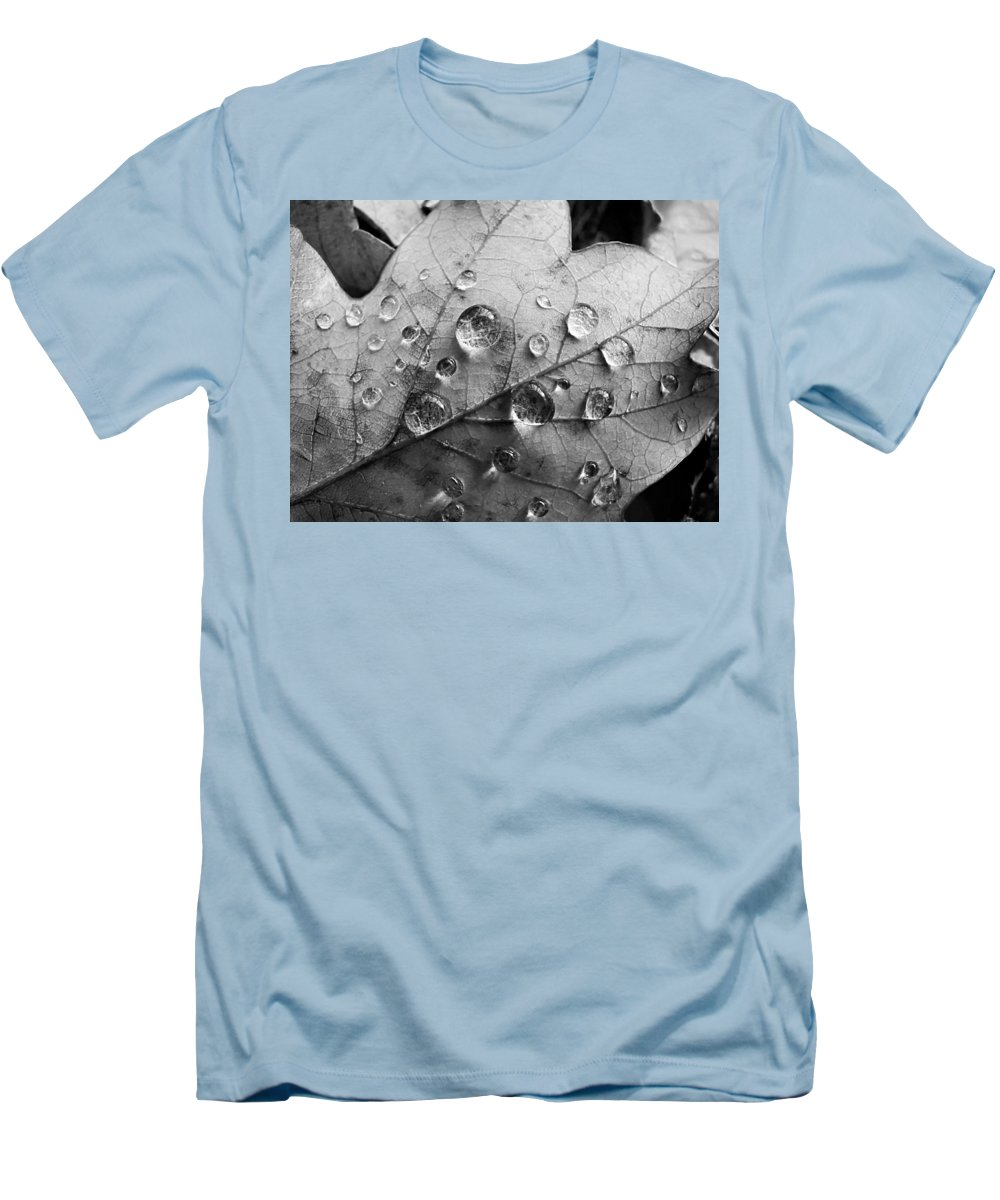 Drops Men's T-Shirt (Athletic Fit) featuring the photograph Raindrops by Daniel Csoka