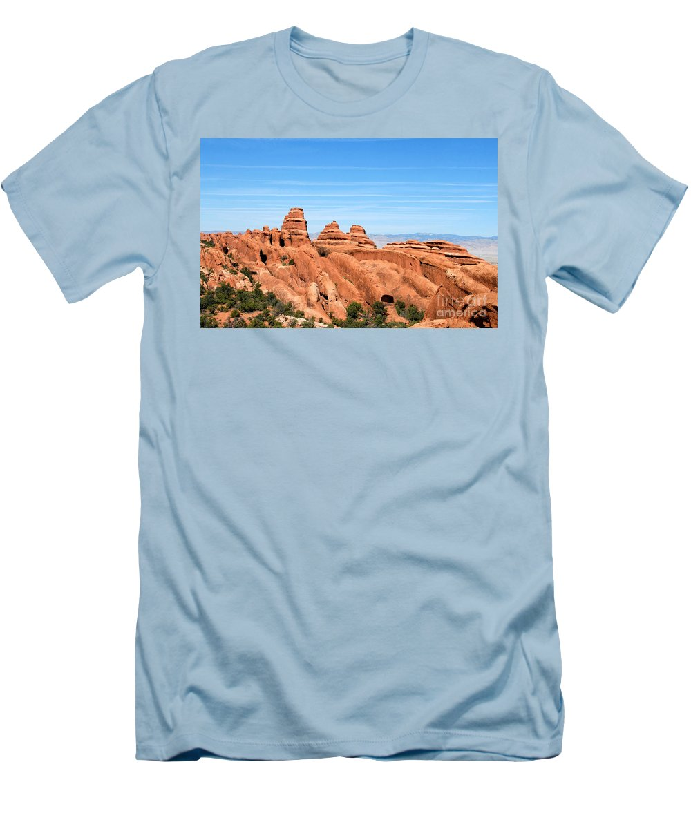 Utah Men's T-Shirt (Athletic Fit) featuring the photograph Rocksky by David Lee Thompson
