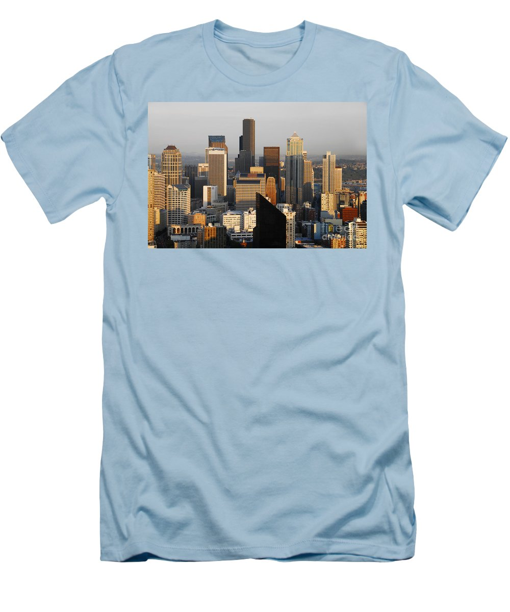 Seattle Washington Men's T-Shirt (Athletic Fit) featuring the photograph Seattle by David Lee Thompson