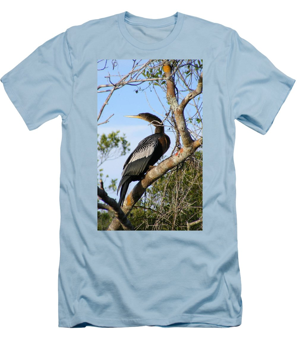 Bird Men's T-Shirt (Athletic Fit) featuring the photograph Strike A Pose by Ed Smith