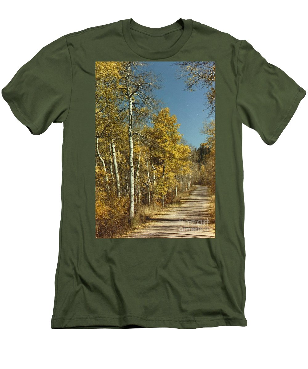 Aspens Men's T-Shirt (Athletic Fit) featuring the photograph Fall Lane by Brandi Maher