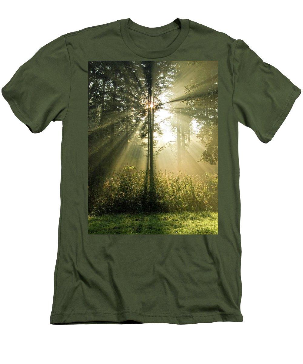 Nature Men's T-Shirt (Athletic Fit) featuring the photograph Splendour by Daniel Csoka