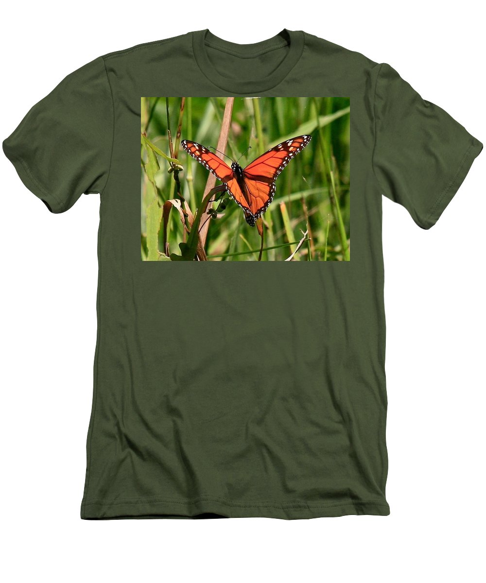 Butterfly Men's T-Shirt (Athletic Fit) featuring the photograph Drying My Wings by Robert Pearson
