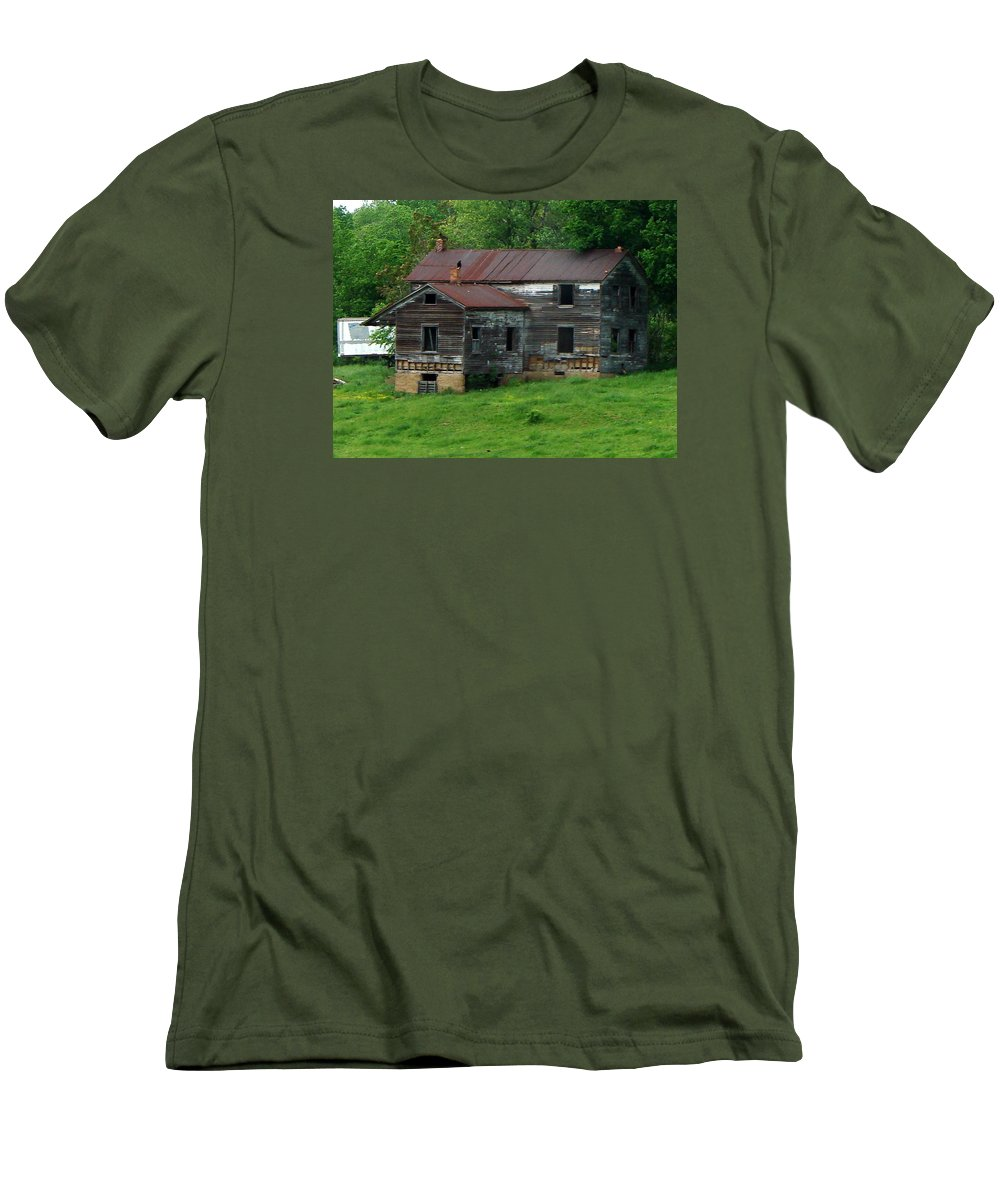 Oldhouse Men's T-Shirt (Athletic Fit) featuring the photograph Birds On Chimneys by J R  Seymour