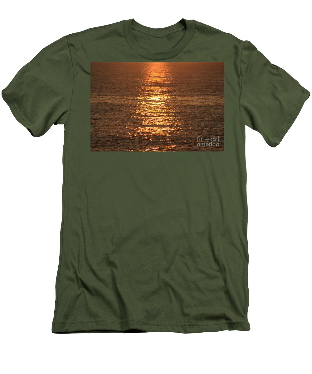 Ocean Men's T-Shirt (Athletic Fit) featuring the photograph Bronze Reflections by Nadine Rippelmeyer