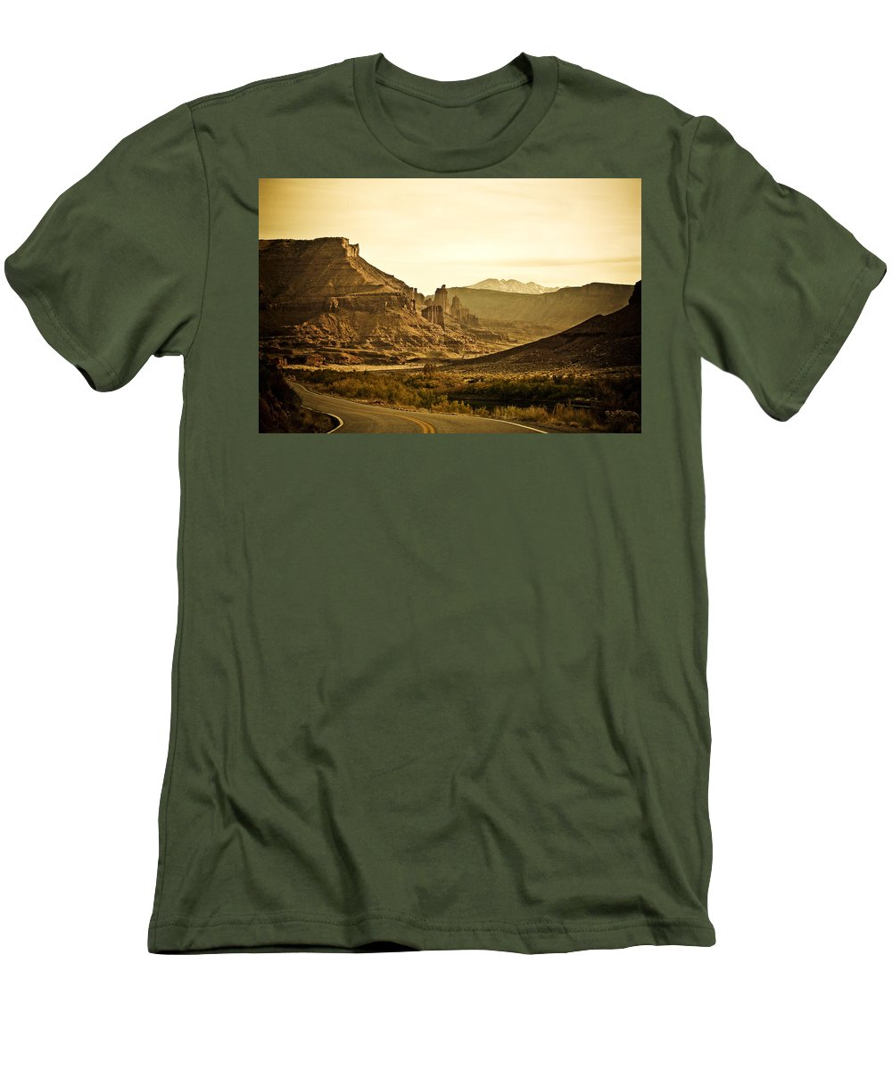 Americana Men's T-Shirt (Athletic Fit) featuring the photograph Evening In The Canyon by Marilyn Hunt