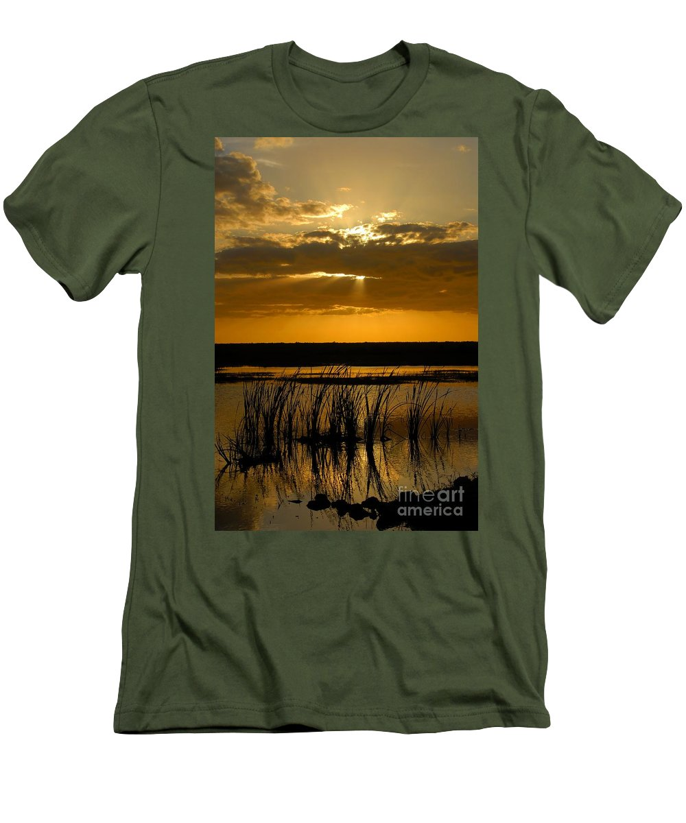 Everglades National Park Florida Men's T-Shirt (Athletic Fit) featuring the photograph Everglades Evening by David Lee Thompson
